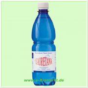 Hochquellwasser - das leichteste Wasser Europas (Lauretana)